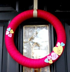 Awesome valentine wreaths ideas for your front door 07
