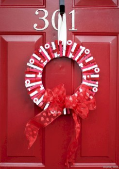 Awesome valentine wreaths ideas for your front door 25