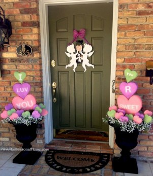 Awesome valentine wreaths ideas for your front door 28