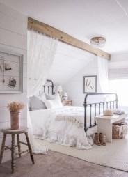 Beautiful farmhouse master bedroom decorating ideas 17