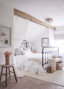 Beautiful farmhouse master bedroom decorating ideas 17
