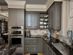 Beautiful gray kitchen cabinet design ideas 29