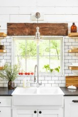 Best tips to makes farmhouse decoration style easily (20)