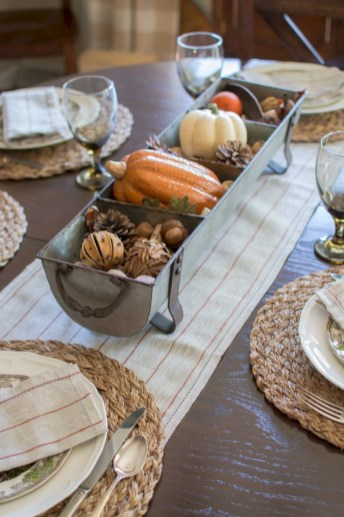 Best tips to makes farmhouse decoration style easily (30)