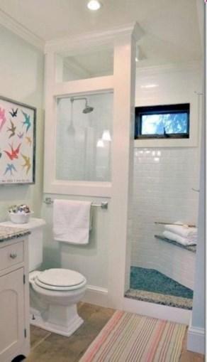 Captivating small farmhouse bathrooms decoration ideas (18)