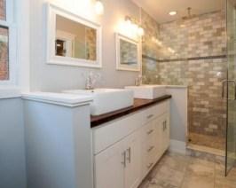 Captivating small farmhouse bathrooms decoration ideas (36)