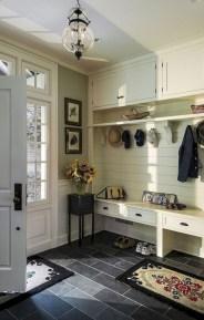 Catchy farmhouse rustic entryway decor ideas 19