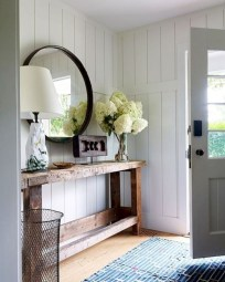 Catchy farmhouse rustic entryway decor ideas 35