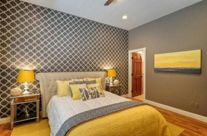 Comfy grey yellow bedrooms decorating ideas (32)