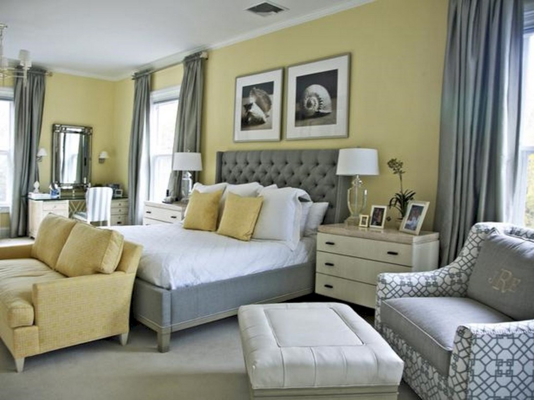 Comfy grey yellow bedrooms decorating ideas (47)