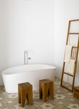 Cool modern geometric concept bathroom designs ideas (40)