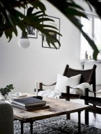Cozy apartment living room black and white style inspirations ideas 01