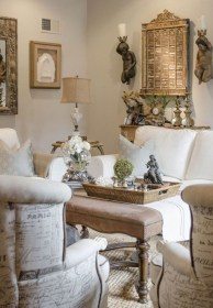 Fancy french country dining room table decor ideas 43