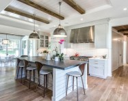 Fascinating kitchen islands ideas with seating and dining areas (5)