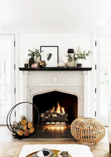 Gorgeous apartment fireplace decor ideas (25)