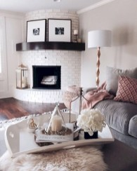 Gorgeous apartment fireplace decor ideas (45)