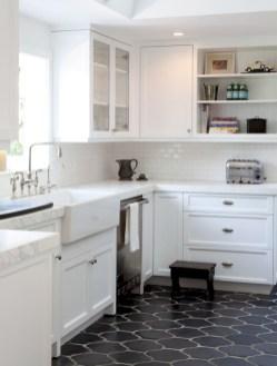 Gorgeous kitchen floor tiles design ideas (28)