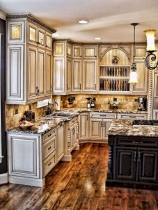 Gorgeous kitchen floor tiles design ideas (6)