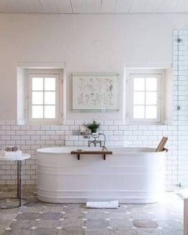 Modern farmhouse bathroom decor ideas (12)