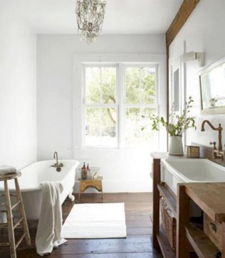 Simple and cozy farmhouse wooden bathroom inspirations ideas 13