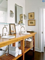 Simple and cozy farmhouse wooden bathroom inspirations ideas 15