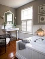 Simple and cozy farmhouse wooden bathroom inspirations ideas 24