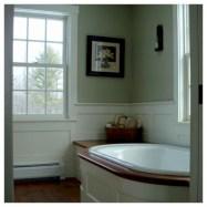 Simple and cozy farmhouse wooden bathroom inspirations ideas 28
