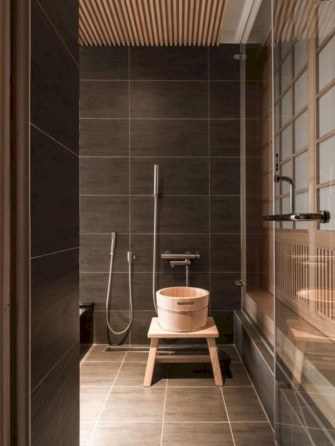 Simple and cozy farmhouse wooden bathroom inspirations ideas 32