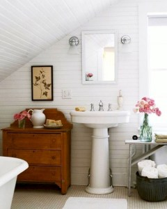 Stunning attic bathroom makeover ideas on a budget 05