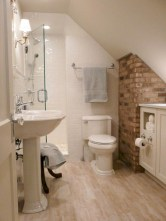 Stunning attic bathroom makeover ideas on a budget 28