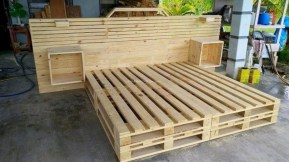Stunning diy pallet furniture design ideas (34)