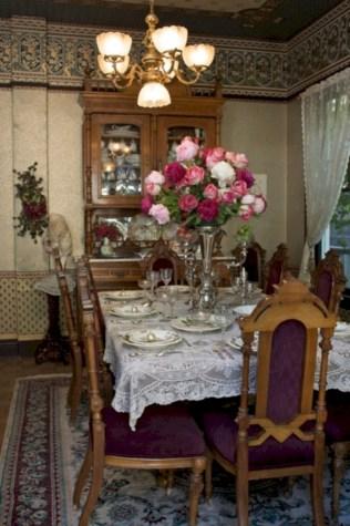 Vintage victorian dining room decor ideas (31)