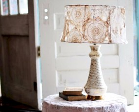 Vintage victorian lamp shades ideas for your bedroom (21)