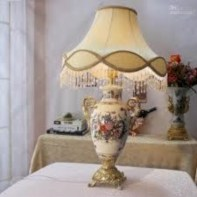 Vintage victorian lamp shades ideas for your bedroom (6)