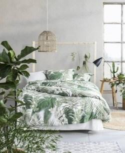 Wonderful green bedroom design decor ideas (16)
