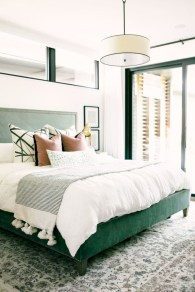Wonderful green bedroom design decor ideas (18)
