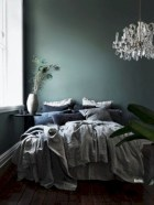 Wonderful green bedroom design decor ideas (37)