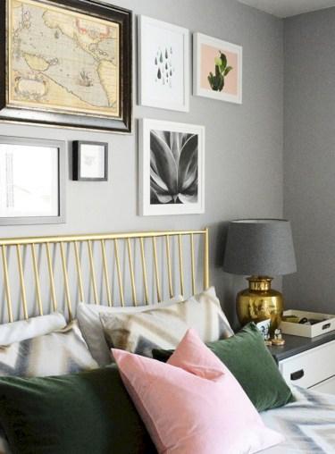 Wonderful green bedroom design decor ideas (41)