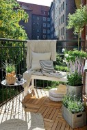 Cozy small balcony design decoration ideas 08