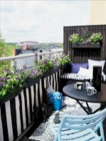Cozy small balcony design decoration ideas 33