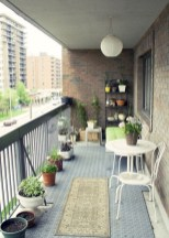 Cozy small balcony design decoration ideas 41