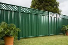 Easy and cheap backyard privacy fence design ideas 03