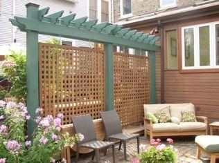 Easy and cheap backyard privacy fence design ideas 12