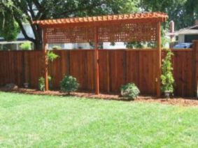 Easy and cheap backyard privacy fence design ideas 17