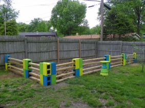 Easy and cheap backyard privacy fence design ideas 20