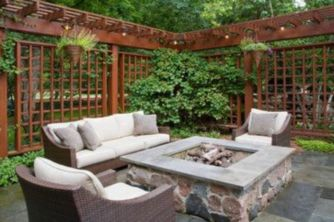 Easy and cheap backyard privacy fence design ideas 43