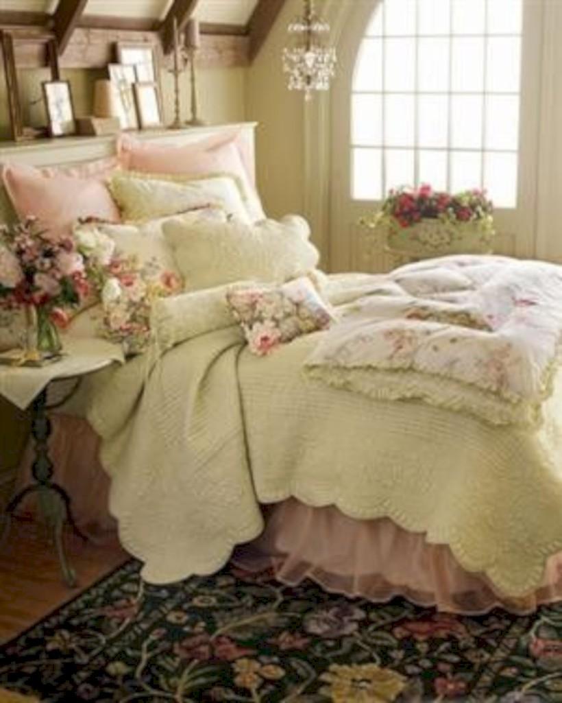 Romantic shabby chic bedroom decorating ideas 05