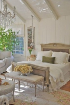 Romantic shabby chic bedroom decorating ideas 18