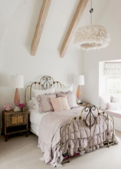 Romantic shabby chic bedroom decorating ideas 24