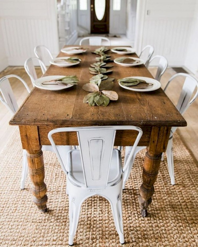 Rustic farmhouse dining room table decor ideas 08